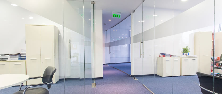 cloisons de bureaux montr al vitrerie des experts. Black Bedroom Furniture Sets. Home Design Ideas