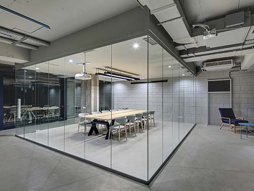 Glass Office Partitions Montreal, Glass Experts