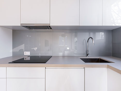 Grey coloured glass backsplash for a kitchen, Glass Expert