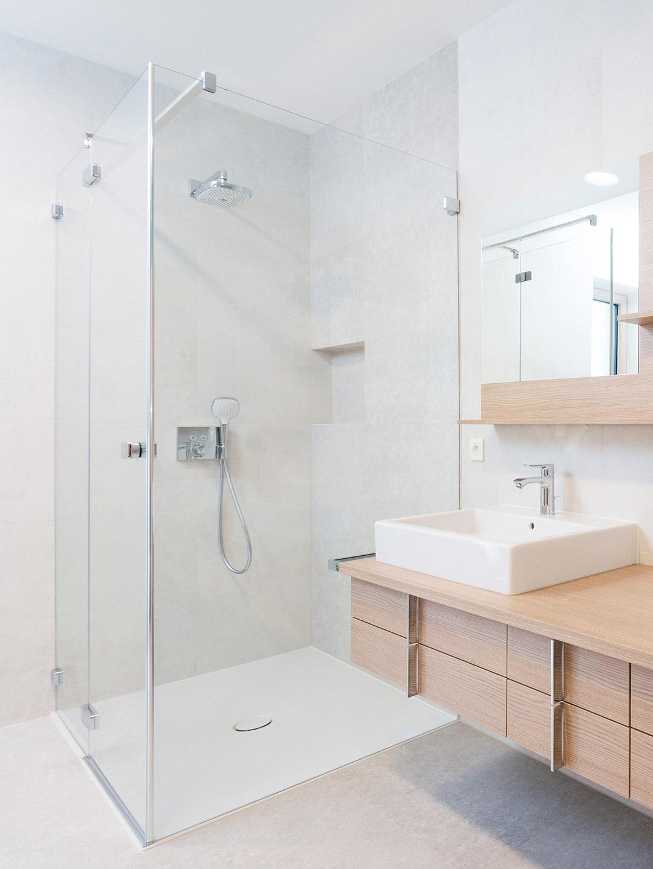 Custom Glass Shower Units